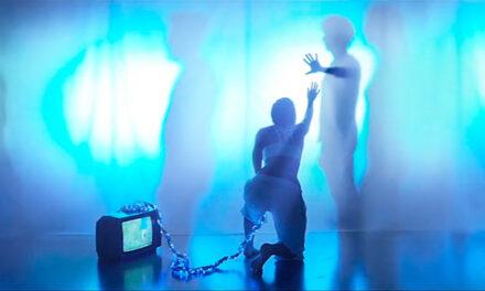 TIME SYMMETRY publica un nuevo videoclip para su canción «Blue Lights»