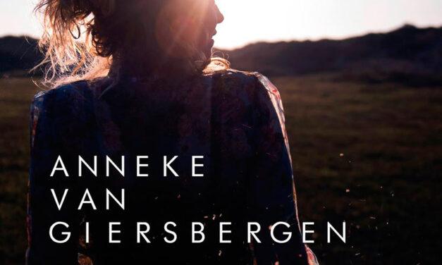 ANNEKE VAN GIERSBERGEN adelanta «Hurricane», nuevo single de su próximo disco